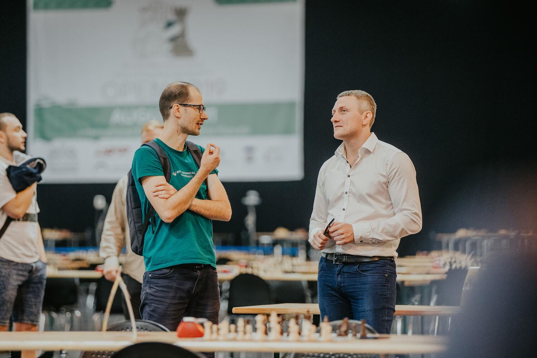 """Featured image for Noticis līdz šim vērienīgākais """"Dice Chess"""" turnīrs"""